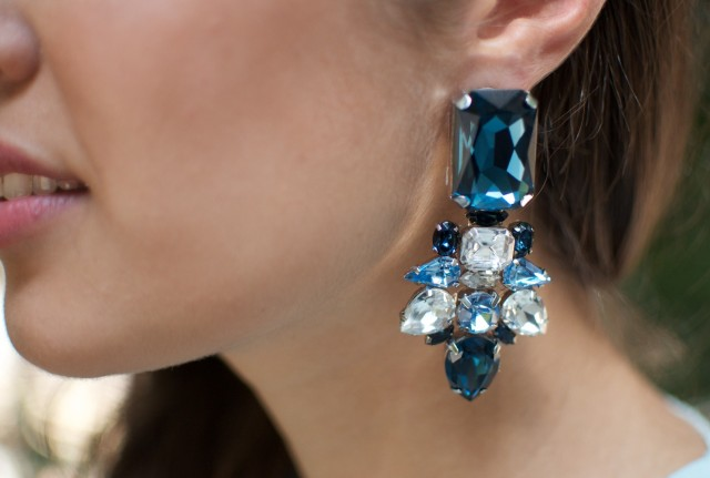 diy-rhinestone-statement-earring-029-e1365261878451-640x431